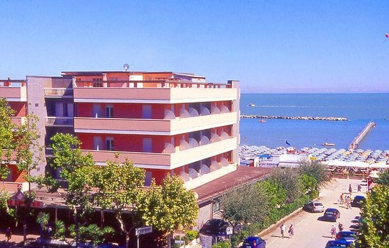 Hotel regina 3 - Bagno giorgio cesenatico ...