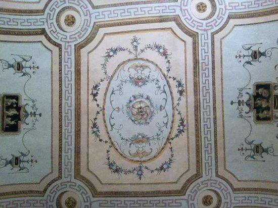 Palazzo Zacheo: Soffitto zona comune