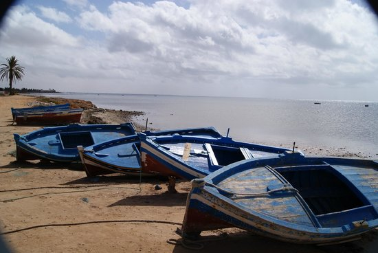 Houmt Souk, Tunisia: Barques de pêcheurs sur l'île de Djerba - excursion tour de l'île Autre Tunisie