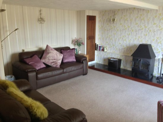 Cyffdy Farm Cottages: Lounge