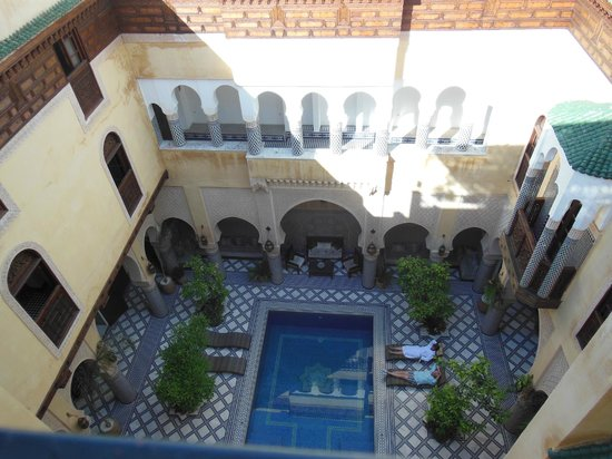 Riad Salam Fes: La piscine vue de la terrasse