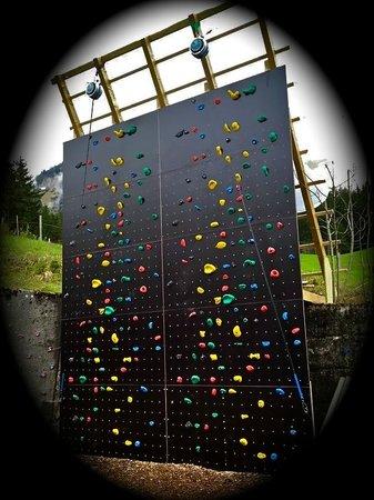 Charmey Aventures : Nouveauté 2013, le mur de grimpe