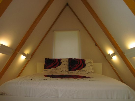Rembrandtplein Bed & Breakfast: A point of wiev from bedroom
