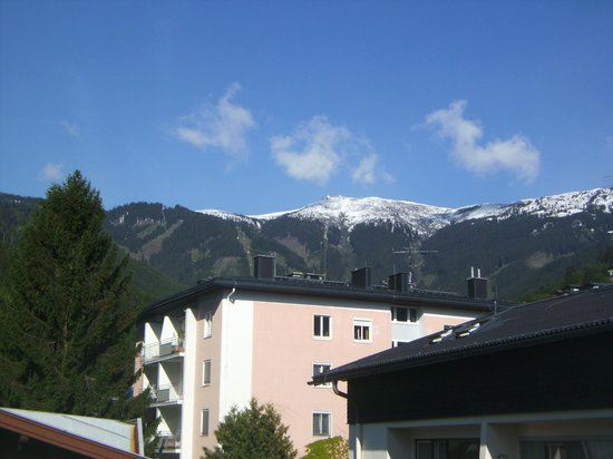 Hotel Gruener Baum: view from room 142