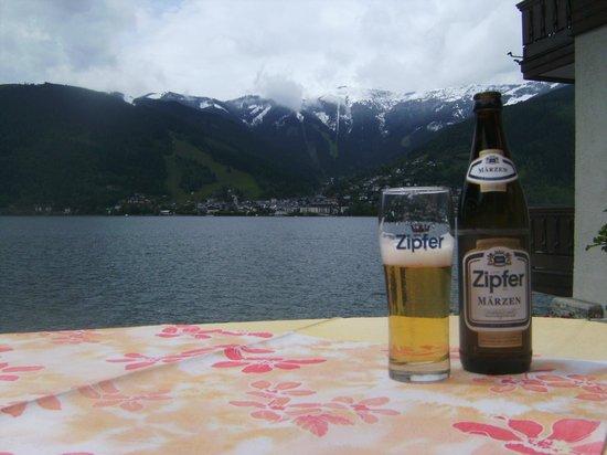 Hotel Gruener Baum: across to Zell am See