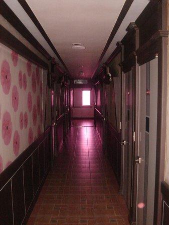 Good Morning Motel: Passageway