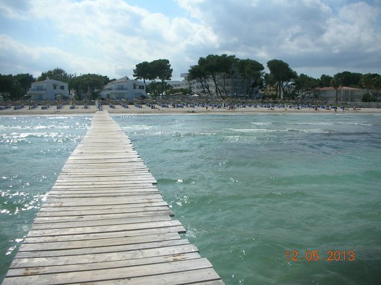 Grupotel Los Principes & Spa: VIEW OF HOTEL FROM JETTY