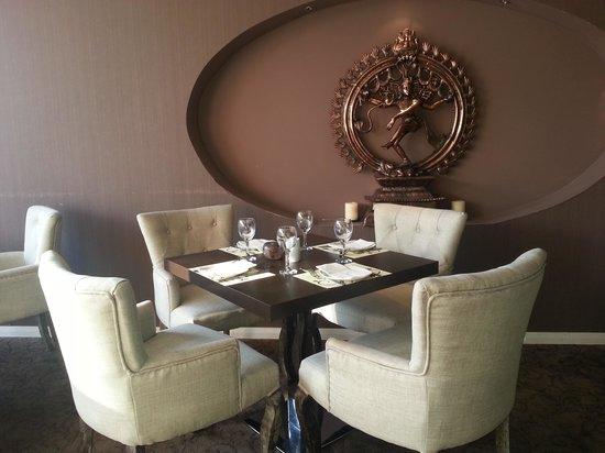 Indian Dining Club: Decoration