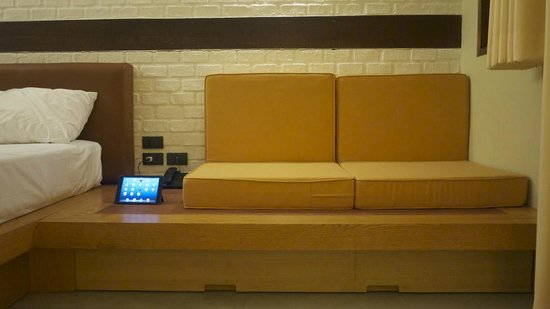Baan Talay Resort: Couch ( note, iPad is not included )