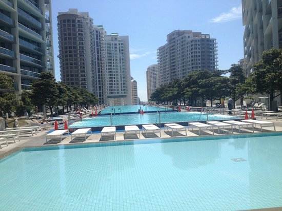 Viceroy Miami: Pool area