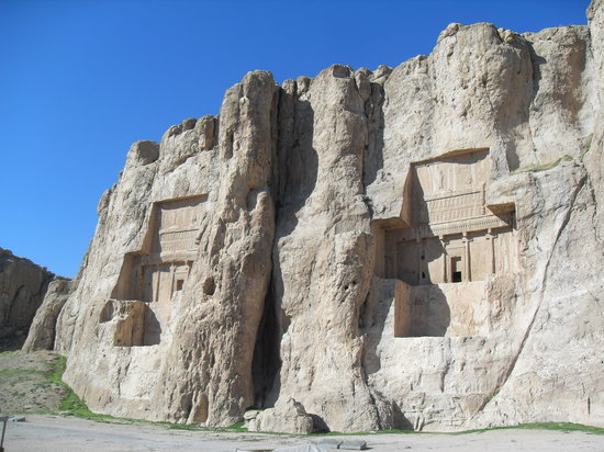 Marvdasht, อิหร่าน: Tombs of the Achaemenid Kings