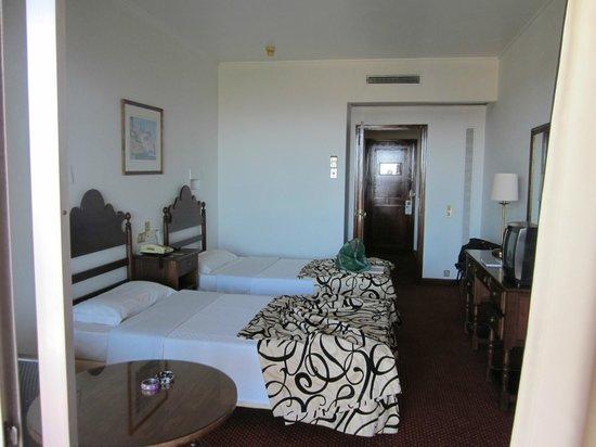 Hotel Cidadela: Fairly large room