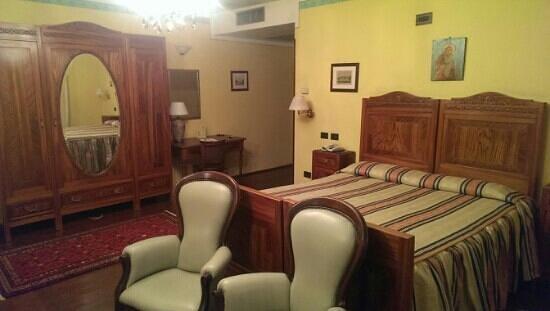 Villa Tacchi: Zimmer