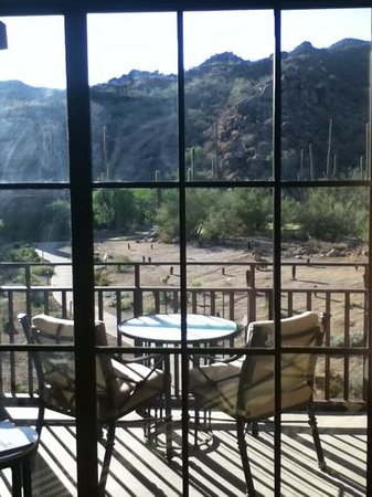 The Ritz-Carlton, Dove Mountain: room with a beautiful desert view