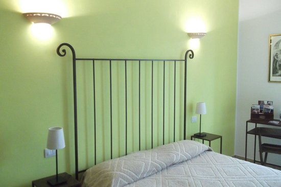 Bed and Breakfast Cascina Antonini: Camera margherita