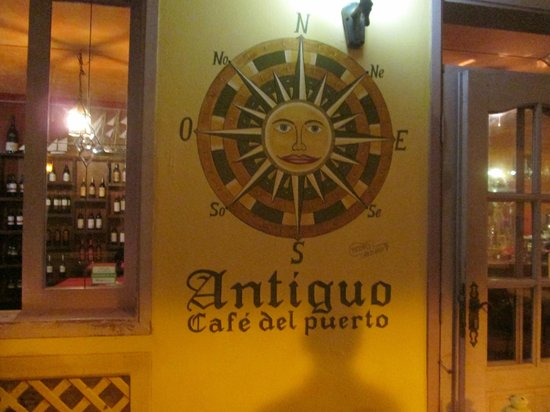 Cafe Antiguo del Puerto: new logo they were painting when we passed
