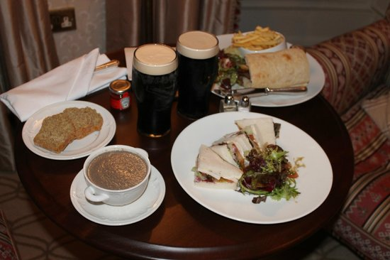 Mount Juliet Estate: Late night room-service of soup and sandwiches.
