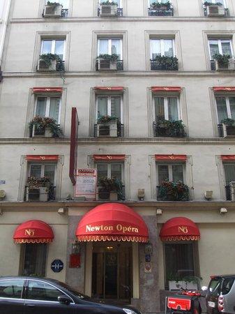 Hotel Newton Opera: Facciata Hotel
