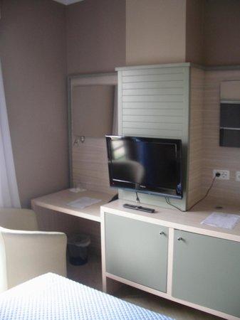 Capital Tirana Hotel: Room details