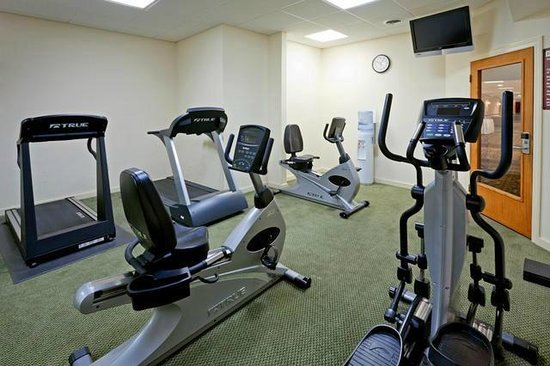 Clarion Hotel & Conference Center: Blow off some steam at our 24-hour fitness center.