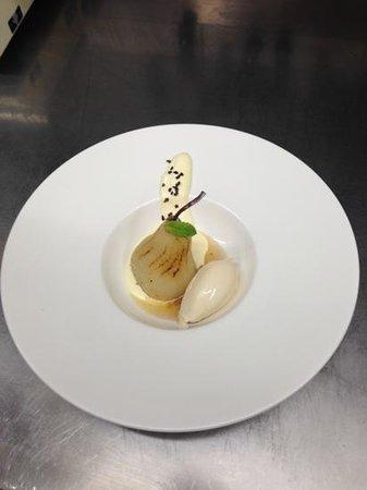 La Perla: pere con gelato e schiuma di mascarpone