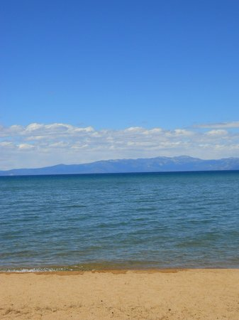 7 Seas Inn at Tahoe: View of the beachfront