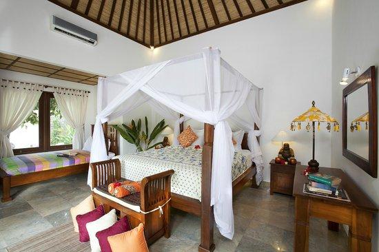 Golden Buddha Cottages : Bedroom