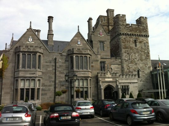 Clontarf Castle Hotel: view from car park