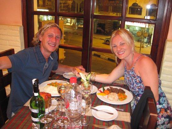 7 Days 7 Ways Restaurant & Royal Oak Pub: Enjoying a lovely Meal