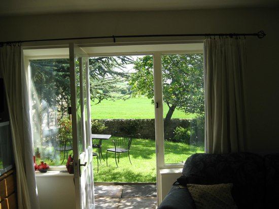 Westfield B&B: Garden room view