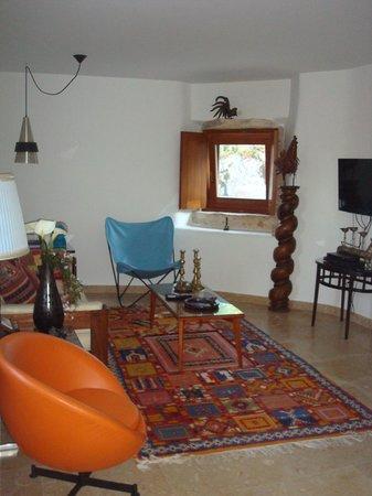 Villa Pedra Natural Houses: Sala da casa do limoeiro