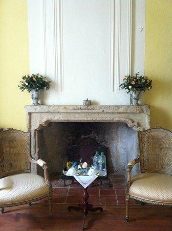 Le Prieure du Chateau de Biron : chambre