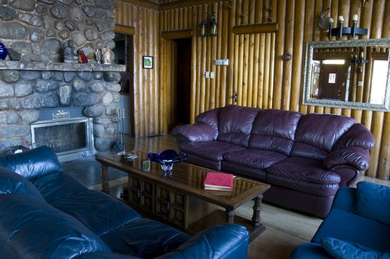 Serenita Spa Auberge : A Quiet Drink in Front of the Fire Place