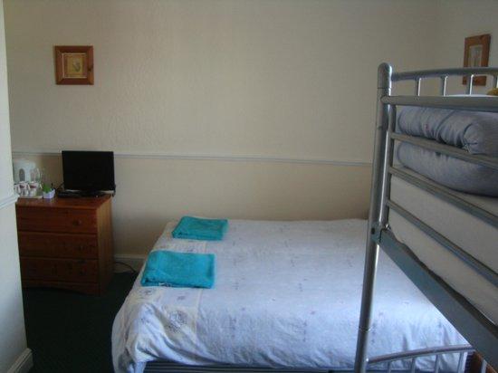 Tuxford House: En-Suite Family Room,