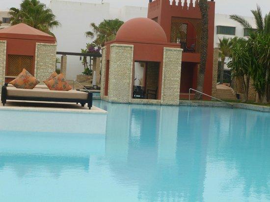 Sofitel Agadir Royal Bay Resort: The pool and outdoor resturant