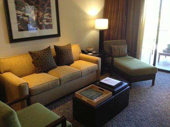 Sheraton Desert Oasis : Living room