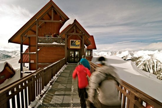 Eagle's Eye Restaurant - Kicking Horse Mountain Resort: Entering Eagle's Eye