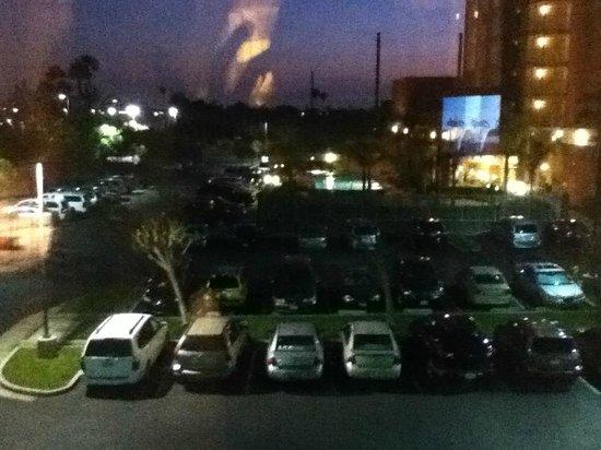 Hilton Garden Inn Anaheim/Garden Grove: View from room
