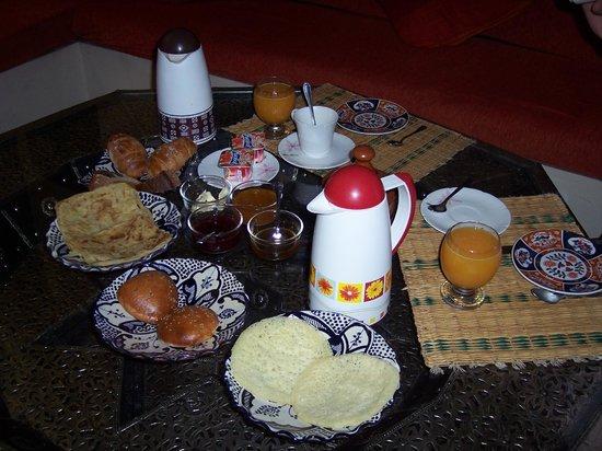 Dar Asdika: Colazione buona e abbondante!!