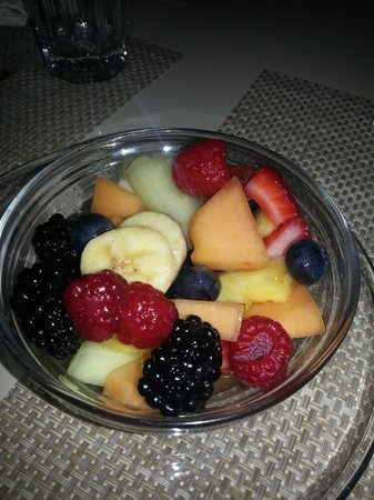 Adora Inn: Fruit Bowl