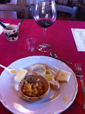 Tuscany on a Budget - Day Tours: First wine tasting.
