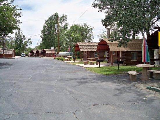 Albuquerque North Bernalillo KOA Campground : Camping cabins