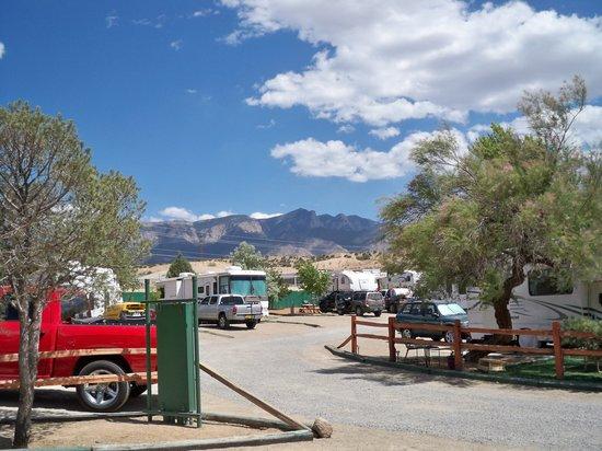 Albuquerque North Bernalillo KOA Campground : Mountain view from campground