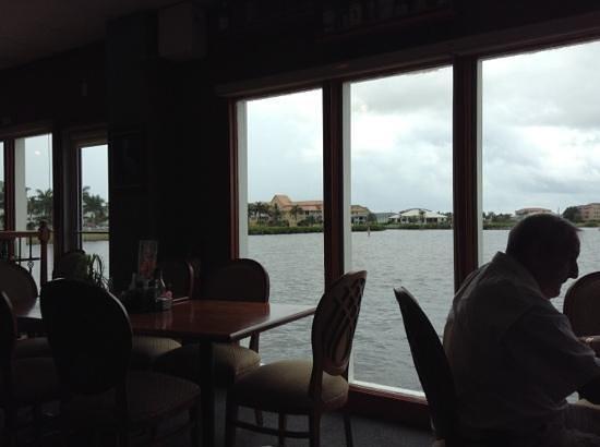 Village Fish Market Restaurant and Lounge: Add a caption