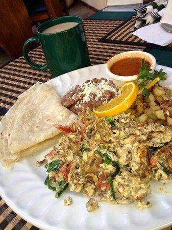 CJ's New York Deli: exquisito desayuno mexicano