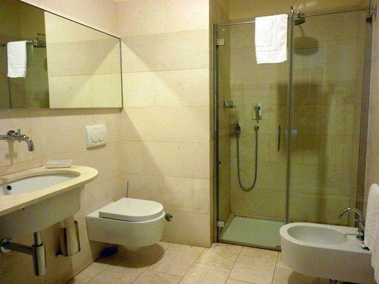 Le Notti in Villa: Bathroom
