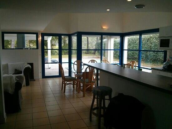 Madame Vacances Villas Club Royal Aquitaine : livingroom 8 beds house