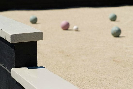 Honor Mansion, A Wine Country Resort : Two Bocce ball courts