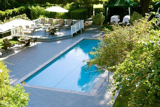 Honor Mansion, A Wine Country Resort : Honor Mansion Pool