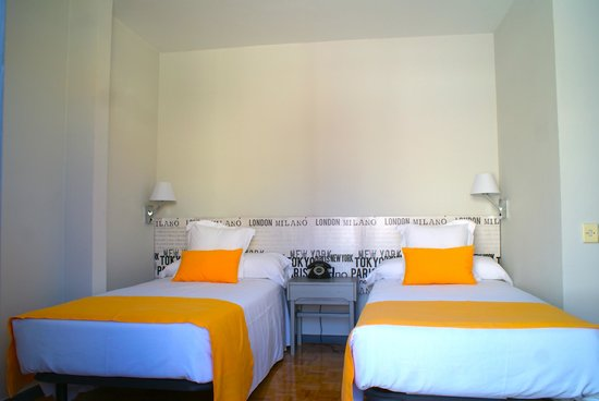 Hotel Anaco: Habitación moderna